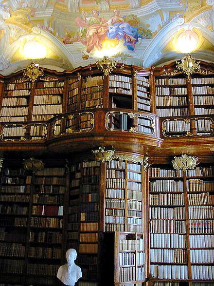 440px-Bibliothek_St._Florian